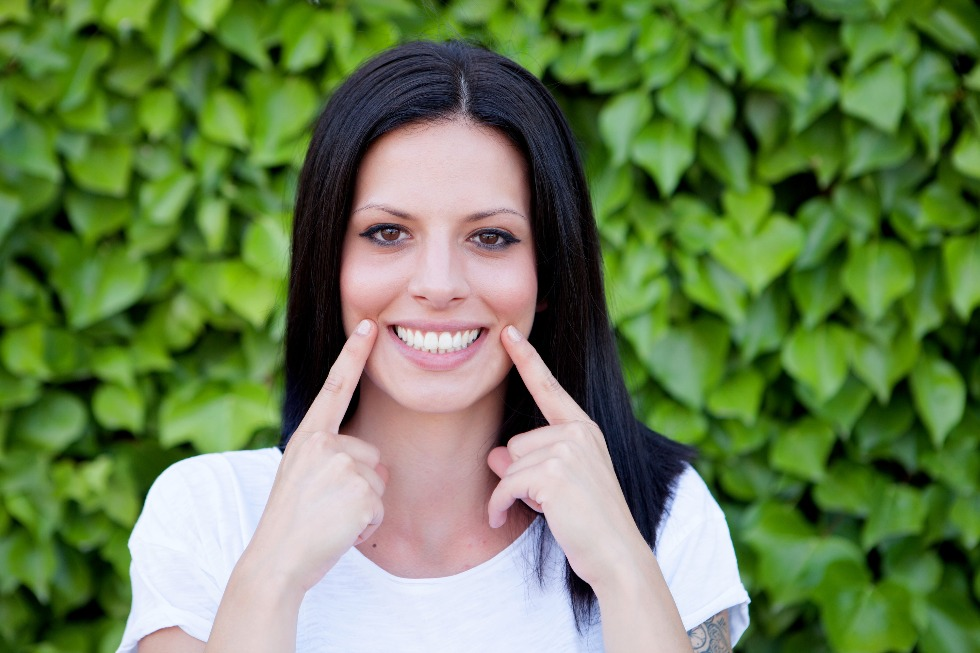 The Problem With Over-the-Counter Teeth Whitening